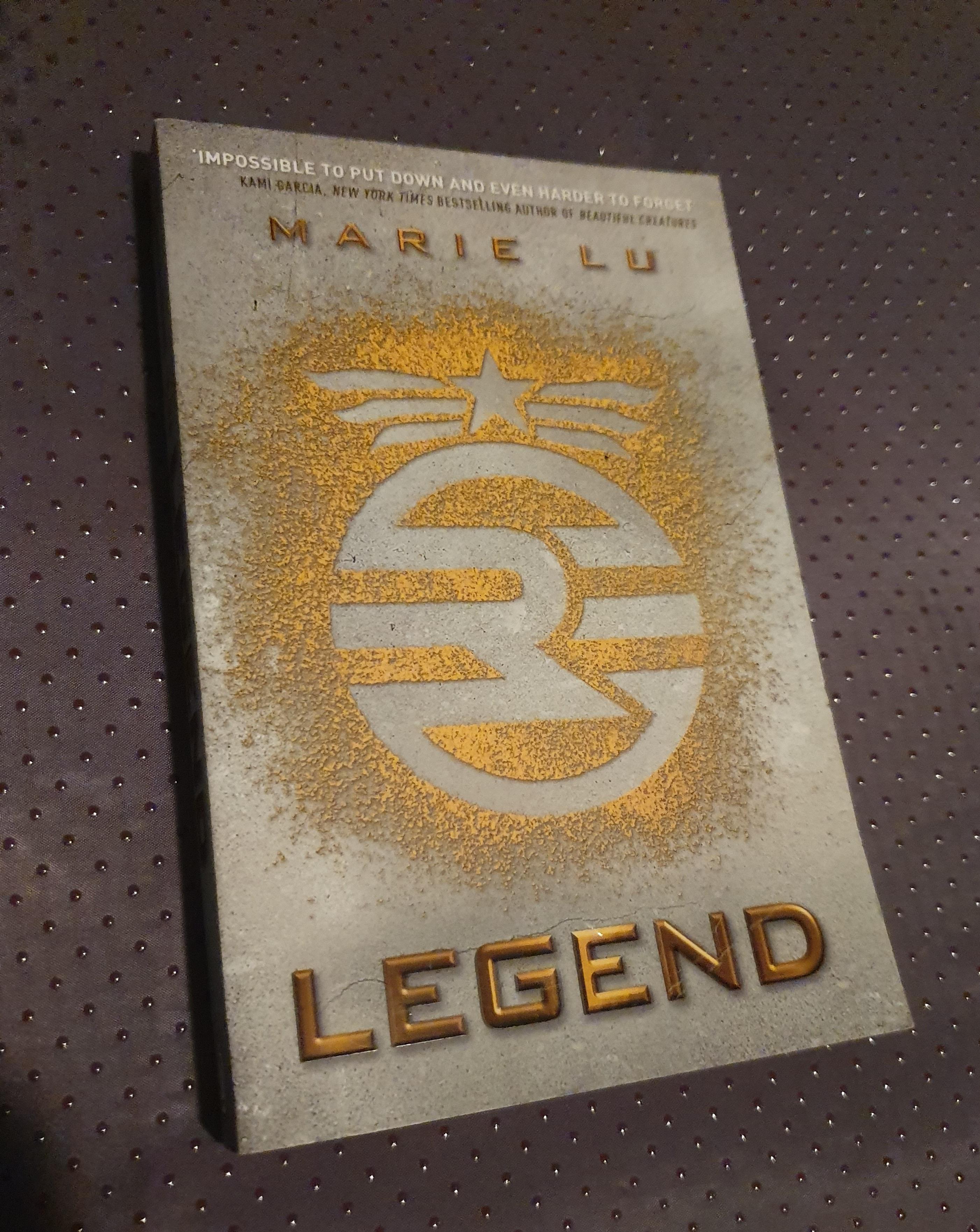 legend-by-marie-lu.jpg