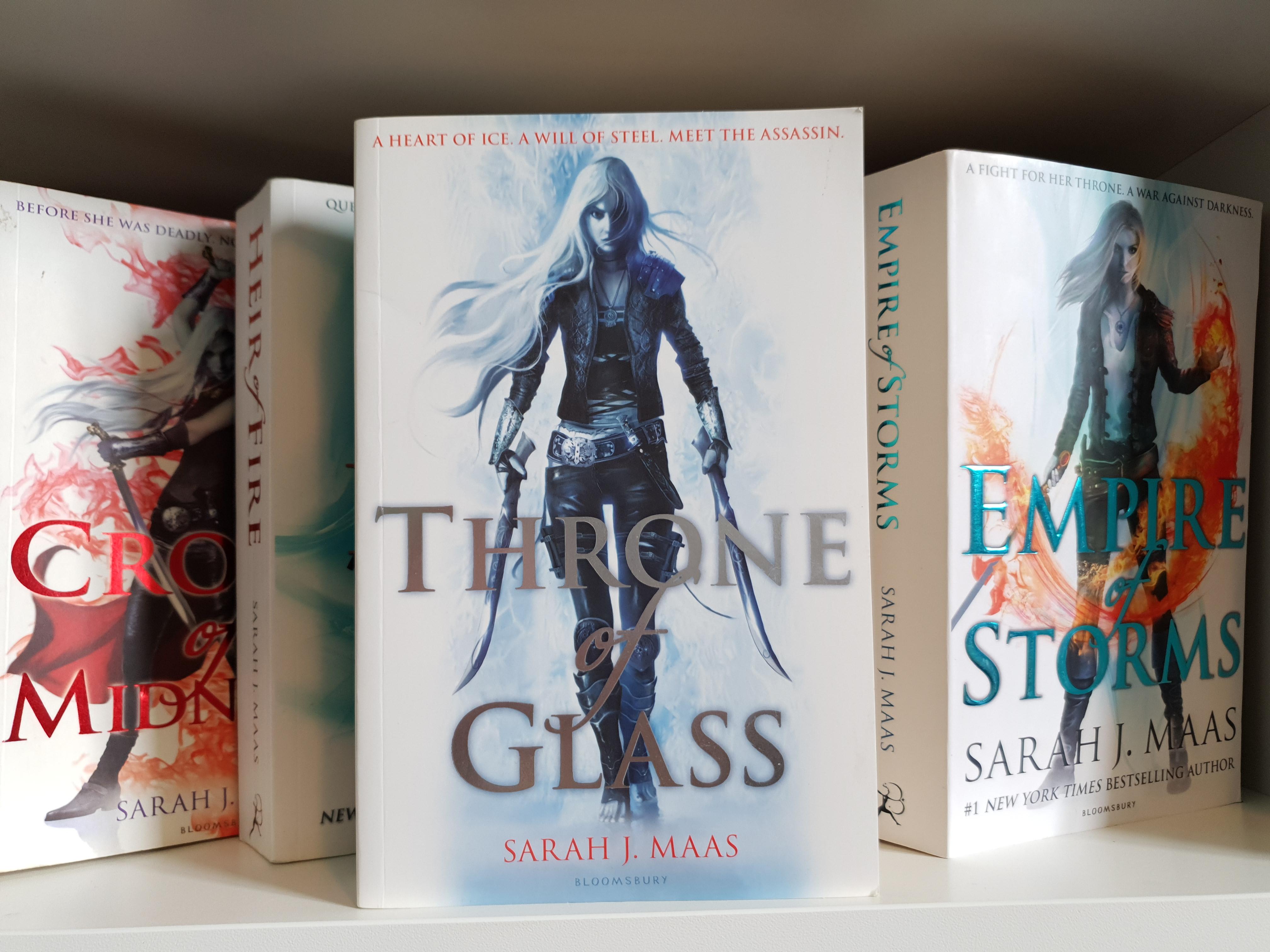 Throne of Glass by Sarah J. Maas.jpg
